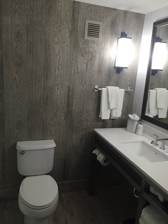 Hilton Garden Inn Scottsdale Old Town: Newly Renovated Room