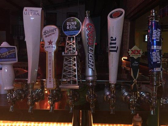 Uvalde, Teksas: Huddle Sports Bar