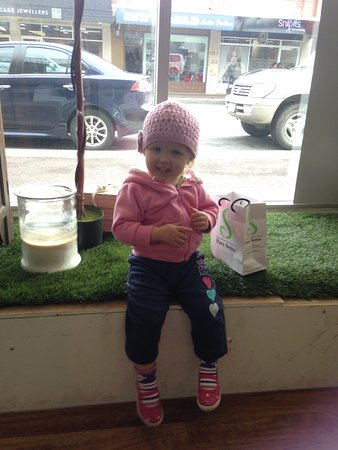 Smithton, Австралия: My daughter is very happy with her shopping efforts, she sat in the window display for a rest!