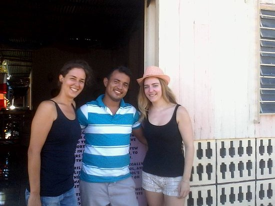 Granada, Nikaragua: Students from Canada and Germany having a great time in the school