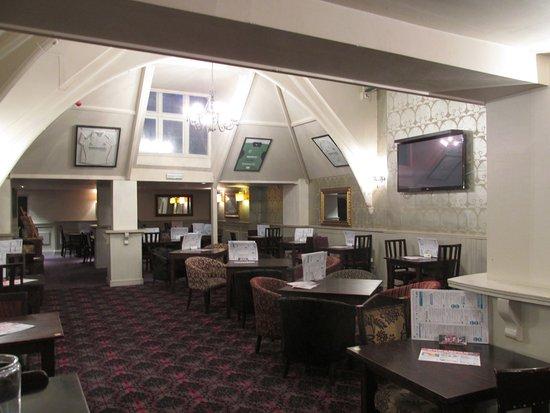 Duke of Wellington Hotel: Tv Lounge main bar