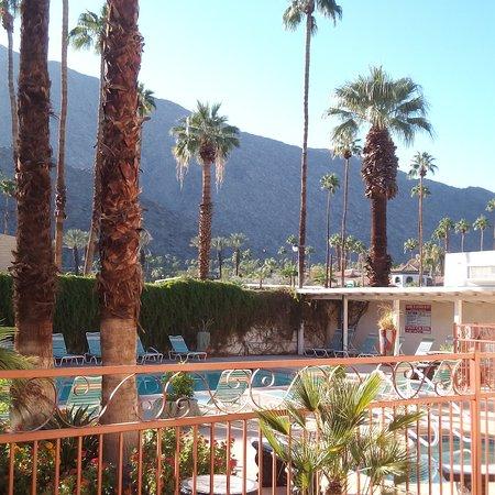 Knights Inn Palm Springs : IMG_20161004_203110_large.jpg