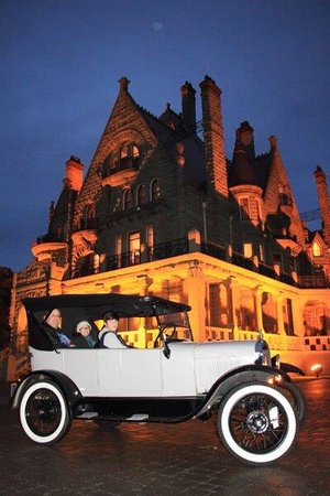 Classic Car Tours: Our very enjoyable tour with Larry in the model T Classic beauty.