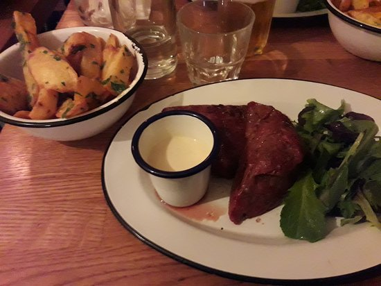 Super picture of flesh restaurant pigalle et canal st martin paris tripadvisor - Cuisine 21 douai ...