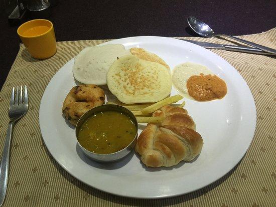 Moskva Hotel: Breakfast