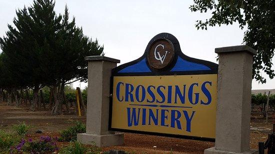 Glenns Ferry, ID: Crossings winery