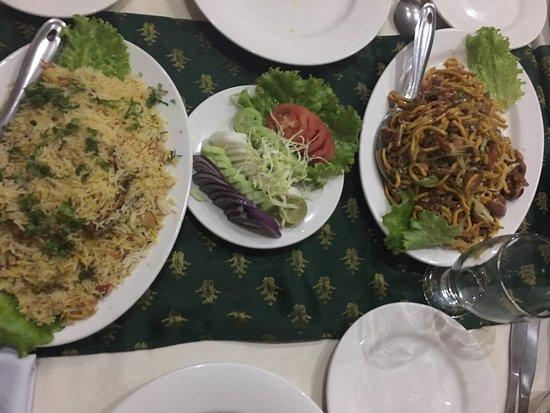 Attock, Πακιστάν: Umania Restaurant