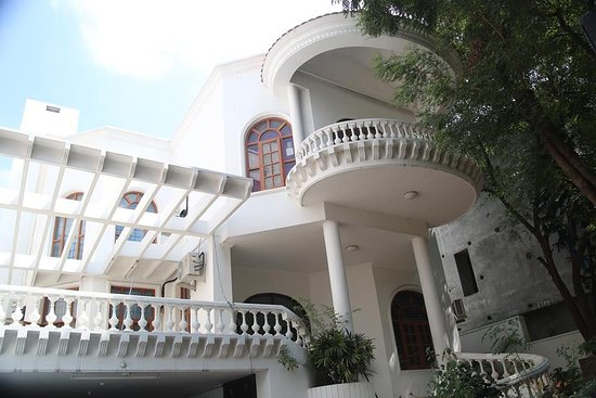 Meghavi Luxury Family Villa Spa