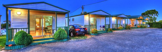 Ulverstone, Αυστραλία: Front on view of our range of Cottages