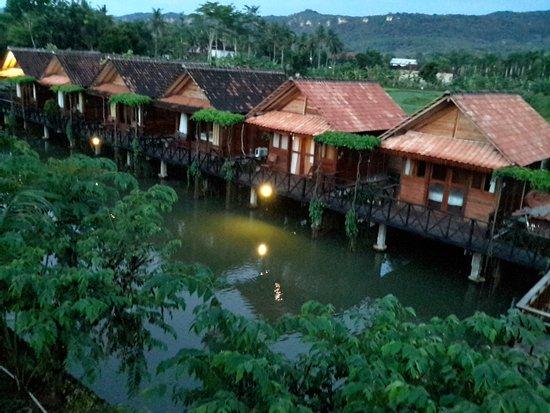 kampoeng pacitan bungalows lodge reviews indonesia tripadvisor rh tripadvisor com