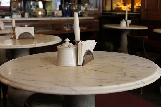 I tavoli in marmo - Foto di Caffe Al Bicerin dal 1763, Torino ...