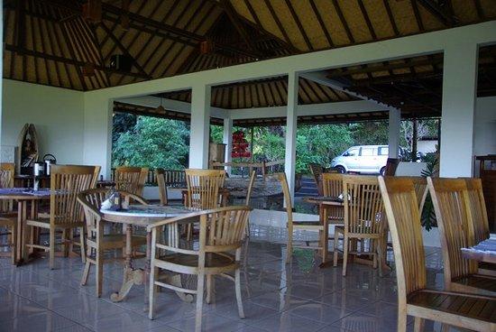 Munduk sari nature garden villa bewertungen fotos for Salle a manger 53