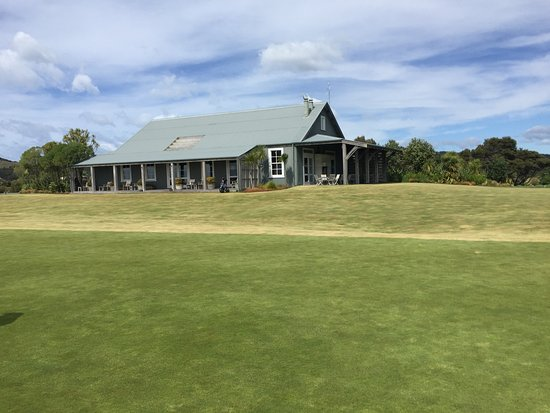 North Island, New Zealand: Club house