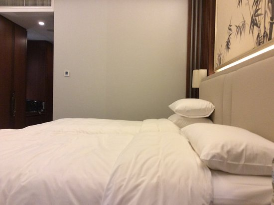 Qufu, China: Beds in a family room