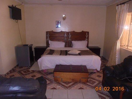 Tatenda Safaris Lodge : standard room