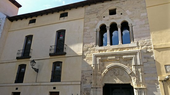 Palacio del Conde Luna: Fachada del Palacio Conde Luna