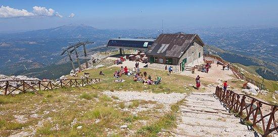 Pietracamela, อิตาลี: Vista a 2032 metri di altitudine la Madonnina