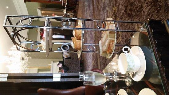 Oulton, UK: Afternoon Tea