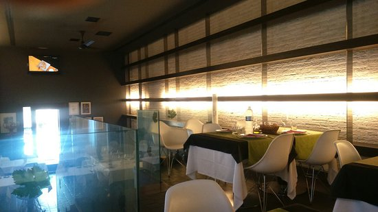 Restaurante Hotel Casa Marisa : Tradición con moderno diseño