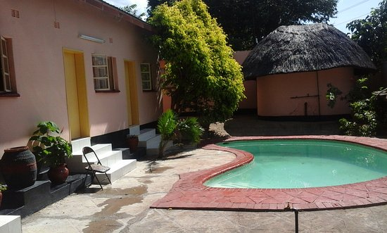 Tatenda Safaris Lodge: swimming pool