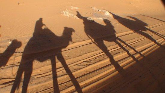 Palais des dunes: Jeux d'ombres au soleil couchant