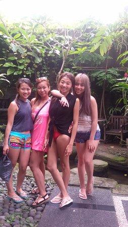 เกโรโบกัน, อินโดนีเซีย: Jovin, Fiona, Magdalene and Joy from Singapore @Murano Spa - September 2016