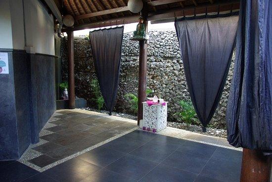 Bali Hotel Pearl: salle de yoga