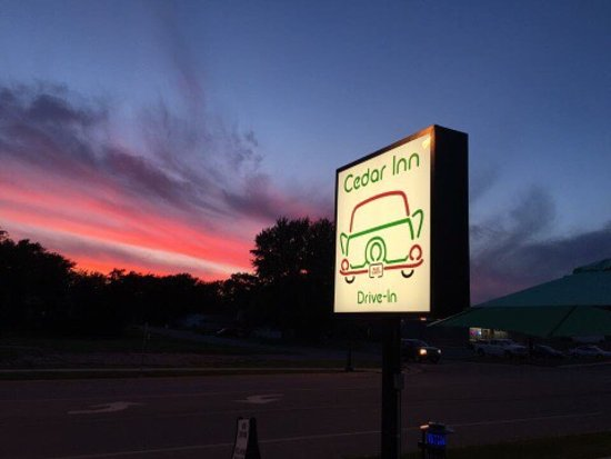 Blue Earth, MN: Cedar Inn Drive-In