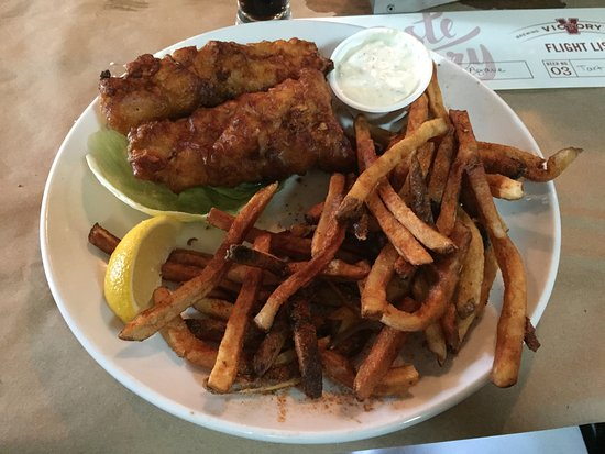 Downingtown, PA: Very good fish and chips!