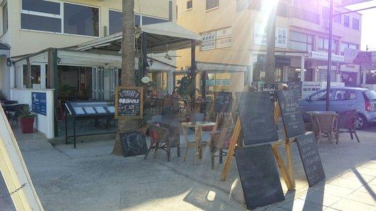 Phoenix Bar and Restaurant : IMG_20161005_161501_large.jpg