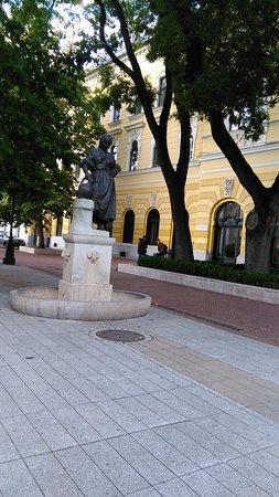 Hodmezovasarhely, Hongaria: Kossuth tér