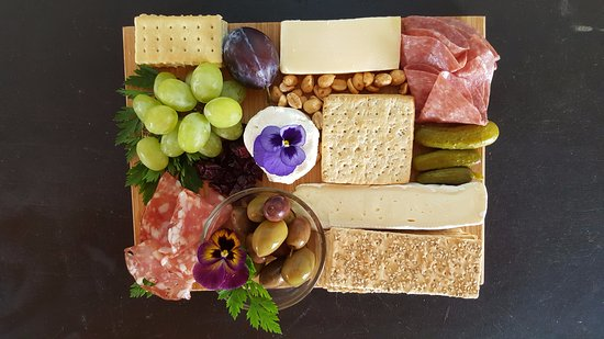 Proctorsville, VT: Enjoy a delectable cheese and charcuterie plate with your wine