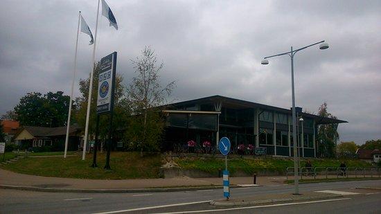 Mellerud, Suecia: Ansicht von der anderen Strassenseite