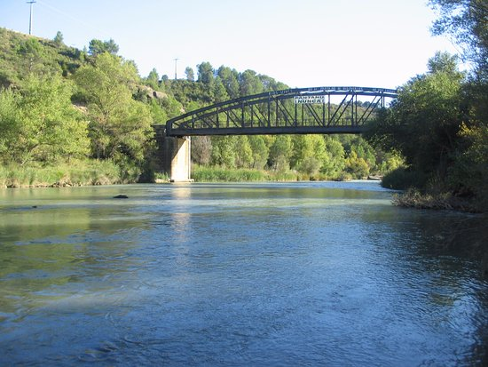 Santa Eulalia de Gállego, España: El Río Gallego, desde dentro del río