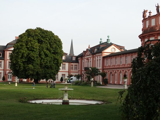 am schloss biebrich prices hotel reviews wiesbaden germany tripadvisor. Black Bedroom Furniture Sets. Home Design Ideas