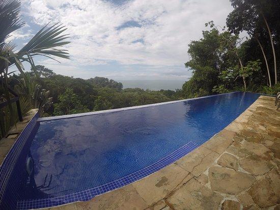 TikiVillas Rainforest Lodge: Quiet relaxing pool