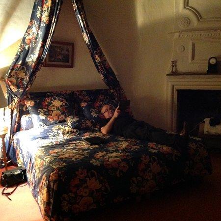 Château de Colombières : Tower Suite bedroom