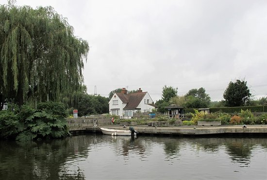 Sandford-on-Thames, UK: The Kings Arms at Sandford Lock