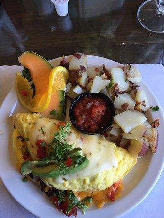Fallon, NV: Southwestern Omelet very tasty...