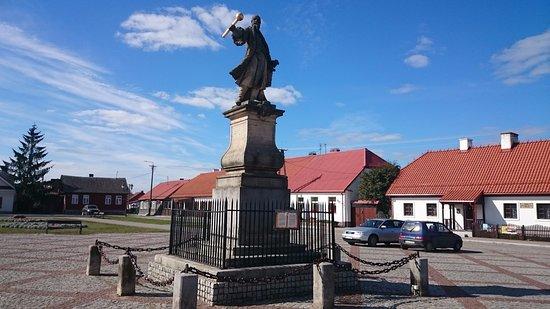 Czarniecki Square (Plac Czarnieckiego)