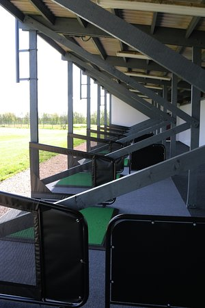 Coalville, UK: The Driving Range is clean and spacious