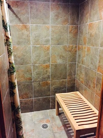 Lake George, Kolorado: Bathhouse Shower