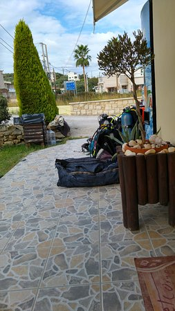 Omega Divers Chania Diving Center: preparing equipment
