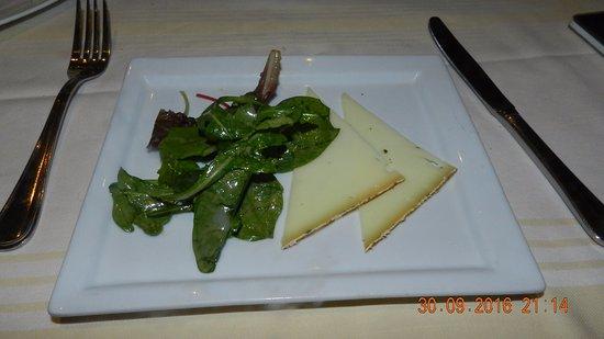 Fromage de france picture of la table des marechaux hotel napoleon fontainebleau tripadvisor - Table des marechaux fontainebleau ...