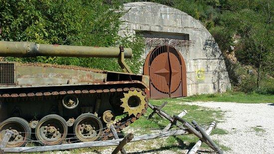 Bunker Soratte - サントレステ...