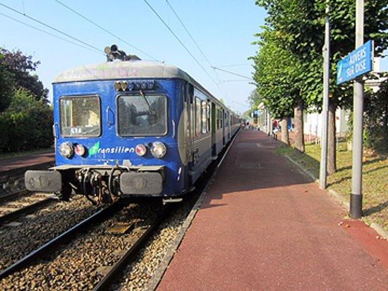 Musée de l'absinthe : Access by rail