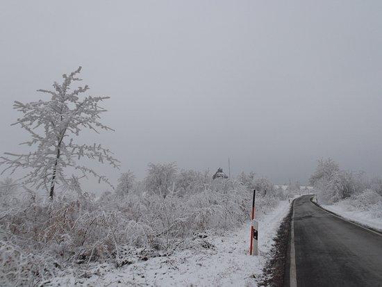 Neuhausen, เยอรมนี: winterlicher Blick zum Schwartenberg