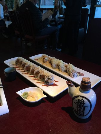 Danville, CA: Akira Bistro! Amazing Sushi 🍣 Rolls👍