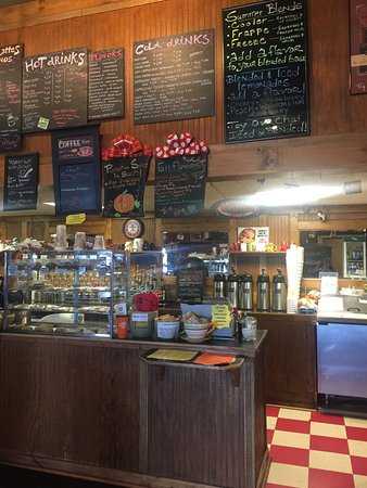 Saint Joseph, MO: Great!! Wow nice find and right on the highway!! Really perfect coffee shop with fresh pastries