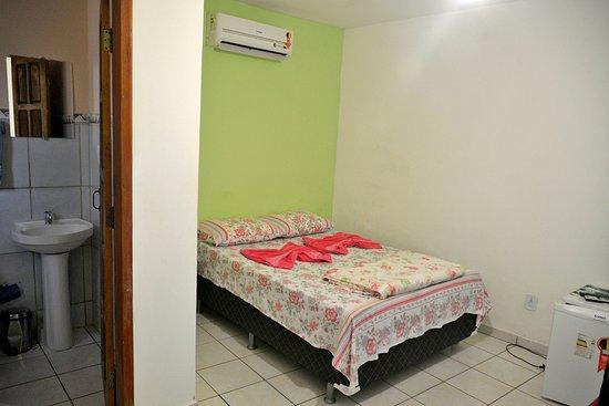 Pousada Grisante: Vista da entrada do quarto